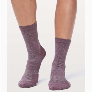 Lululemon City To Summit Cycling Sock *Silver